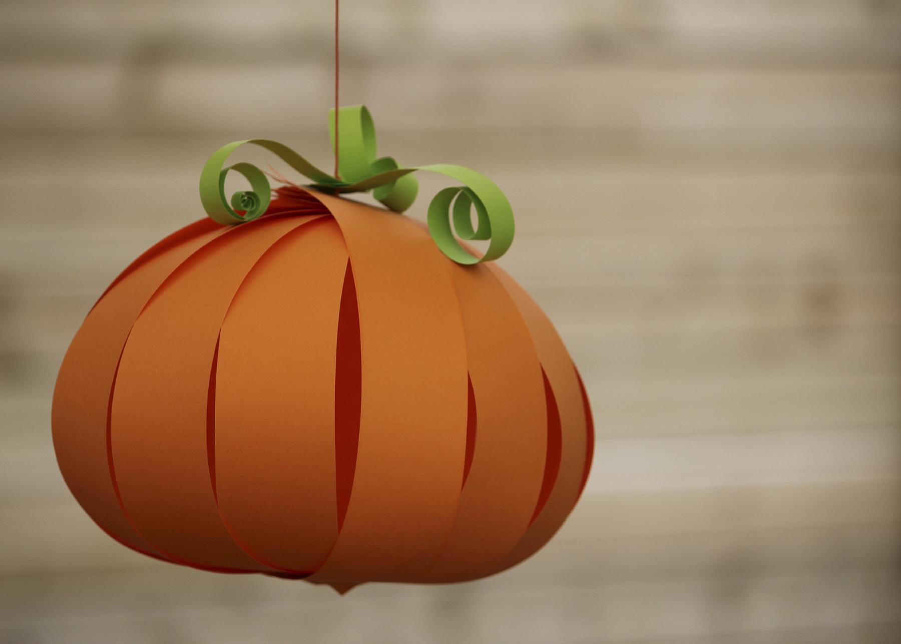 Diy d 39 halloween faire avec les enfants l 39 an vert du d cor - Citrouille halloween en papier ...